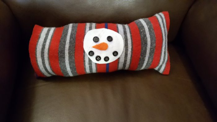 DIY Snowman Pillow To Make Without Sewing example of completed work