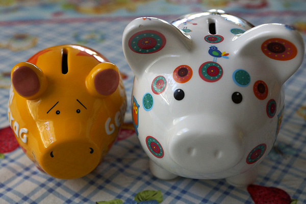 How Amazon Prime Can Save You Money image piggy banks
