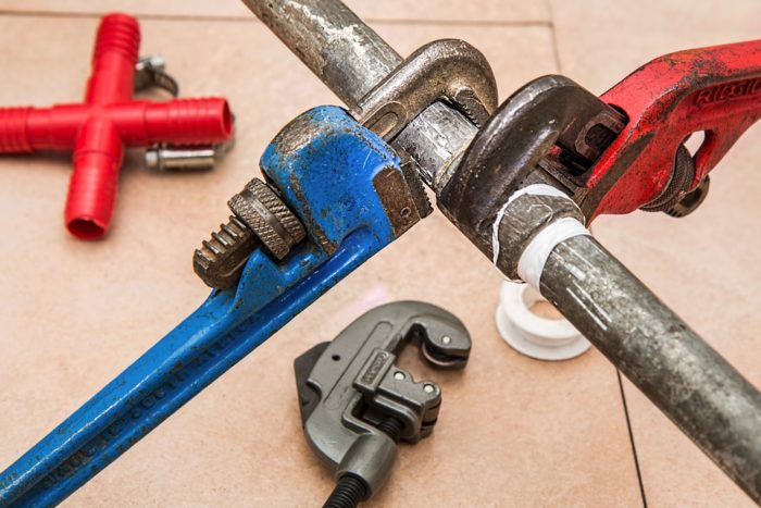 Scare off home buyers image tools to make home repairs before putting your home on the market