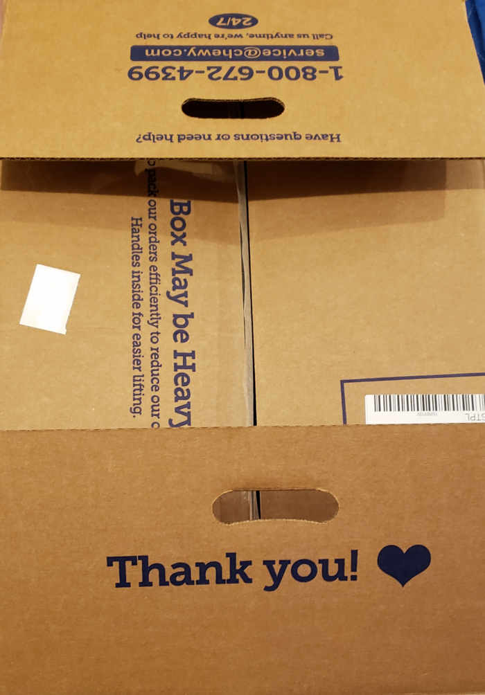 Honest Chewy.com review shipping handles on box