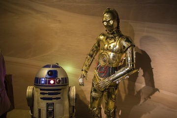 Cosmic Interior Design Star Wars characters R2-D2 and C3PO as bedroom decor